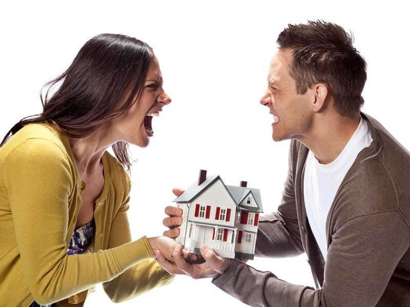 это как при разводе не делить квартиру с бывшей женой так
